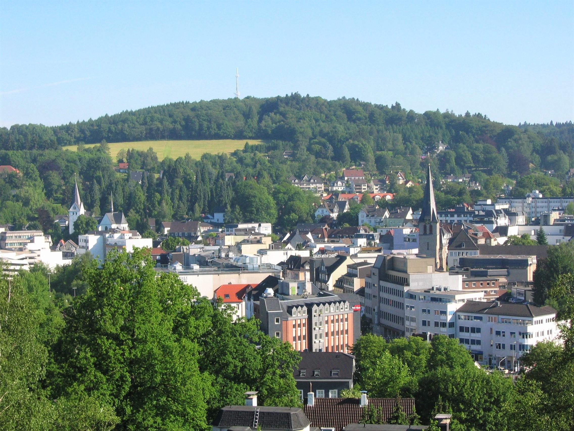 Blick auf die Gummersbacher Innenstadt von der Berstig